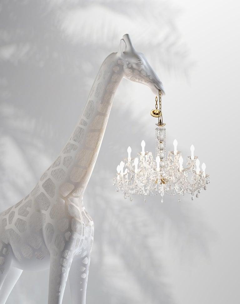 Modern 13 Foot White Giraffe Indoor or Outdoor Chandelier Lamp By Marcantonio In New Condition For Sale In Origgio (VA), IT