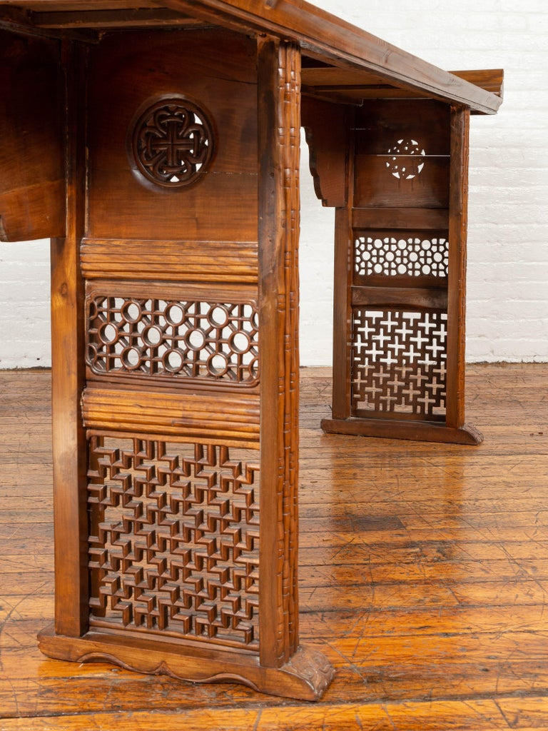Qing Dynasty Altar Table with Bamboo Accents, Fretwork and Everted Flanges For Sale 3
