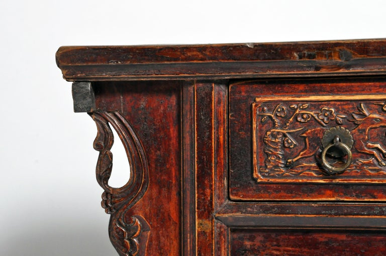 Qing Dynasty Chinese Butterfly Cabinet with Original Patina For Sale 6