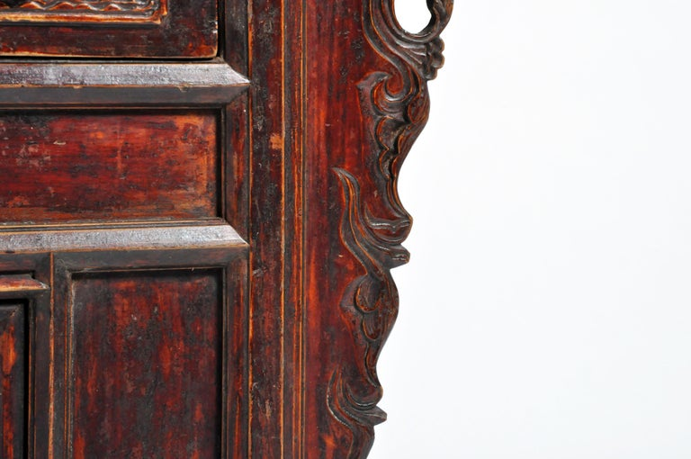 Qing Dynasty Chinese Butterfly Cabinet with Original Patina For Sale 8