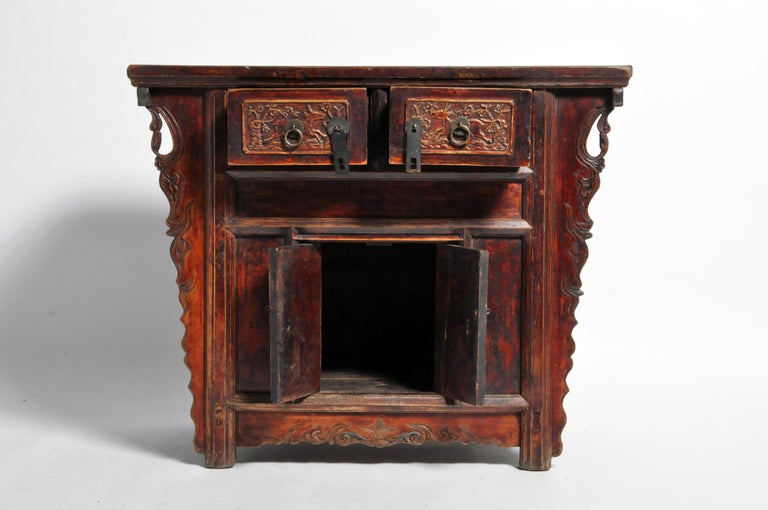 Qing Dynasty Chinese Butterfly Cabinet with Original Patina For Sale 2