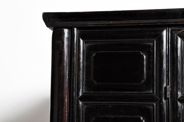 Qing Dynasty Clothing Cabinet with Four Drawers For Sale 4