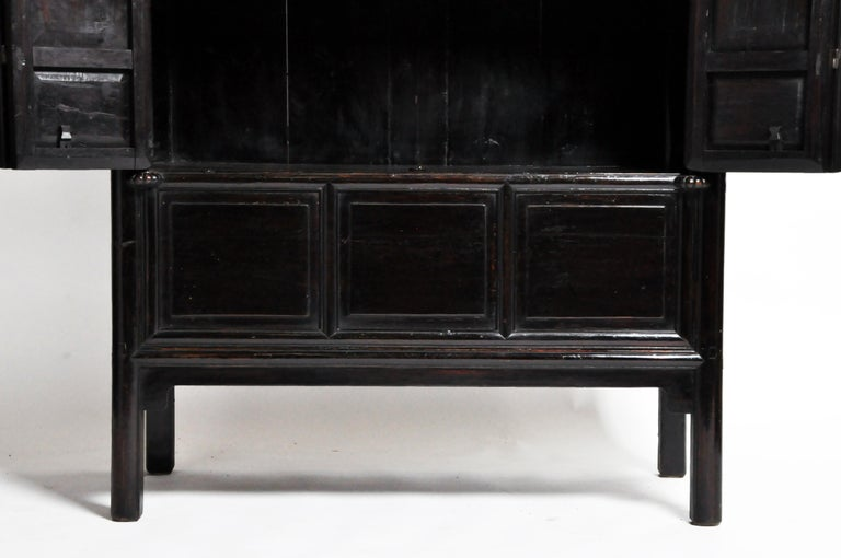 Qing Dynasty Clothing Cabinet with Four Drawers For Sale 10