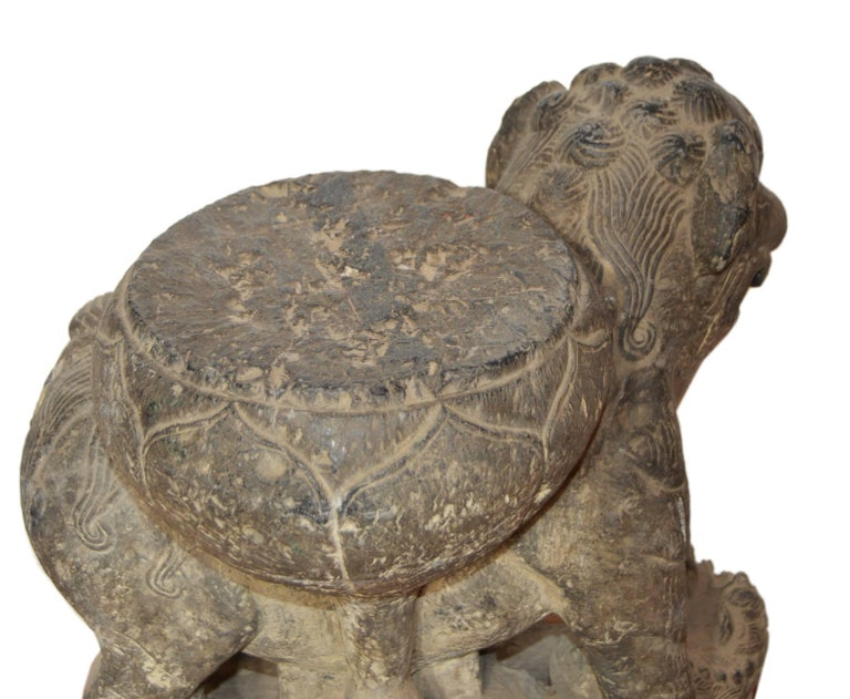 Qing Dynasty Hand-Carved 19th Century Chinese Stone Foo Dog Lion Statue For Sale 9