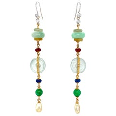 Qing Dynasty Inspired Jade Hooked Drop Earrings in 18 Karat Gold