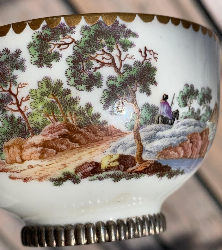 Chinese Qing Dynasty Landscape Small Cup, Signed Z, China For Sale