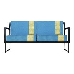 Quadra Loveseat by Notempo