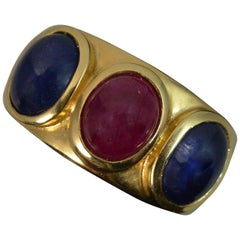 Quality 18 Carat Gold Ruby and Sapphire Cabochon Trilogy Band Ring
