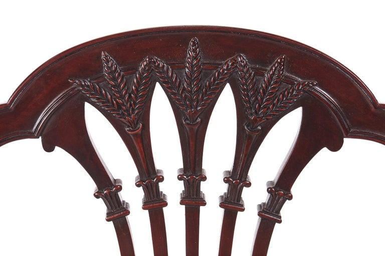 19th Century Quality Pair of Antique Mahogany Carved Side / Desk Chairs For Sale