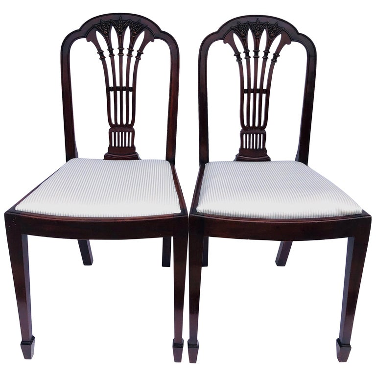 Quality Pair of Antique Mahogany Carved Side / Desk Chairs For Sale