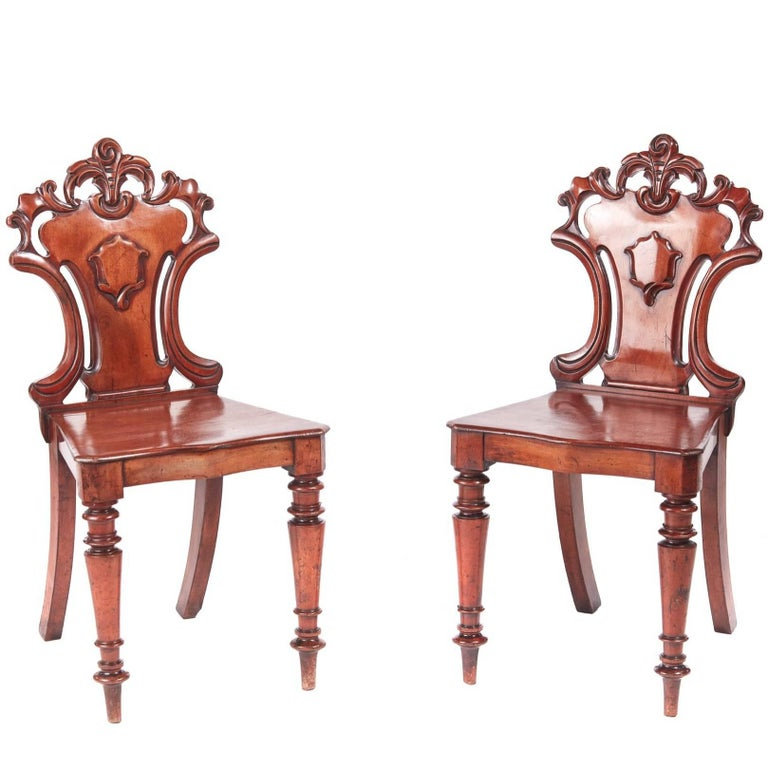 Quality Pair of William IV Mahogany Hall Chairs For Sale