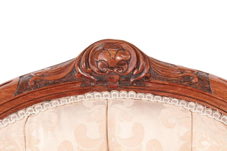 Quality Victorian Carved Walnut Ladies Chair For Sale 5