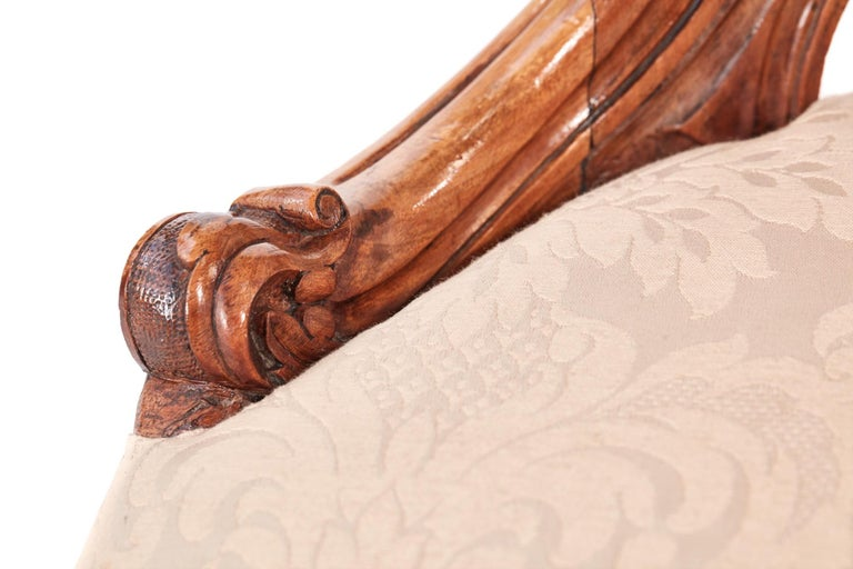 Quality Victorian Carved Walnut Ladies Chair For Sale 3