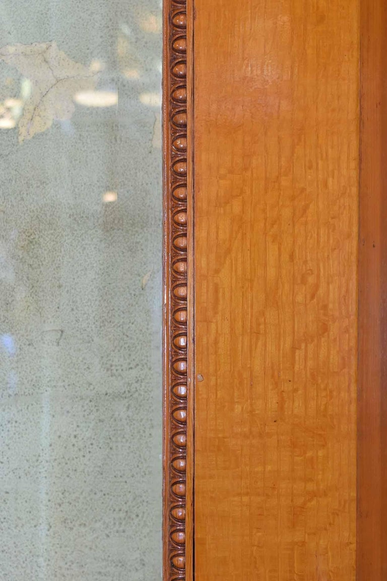A Victorian era exterior door that will look amazing in your home, this full view door is in excellent condition! One side of the door dawns a white painted face, while the interior side reveals beautiful quartersawn oak! With attention to its small