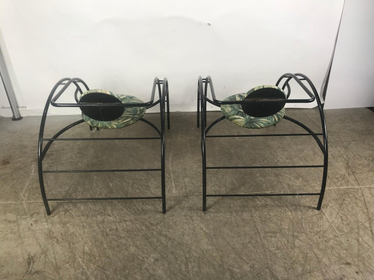 Painted Quebec 69 Spider Chairs, Les Amisco Memphis Style, Space Age For Sale
