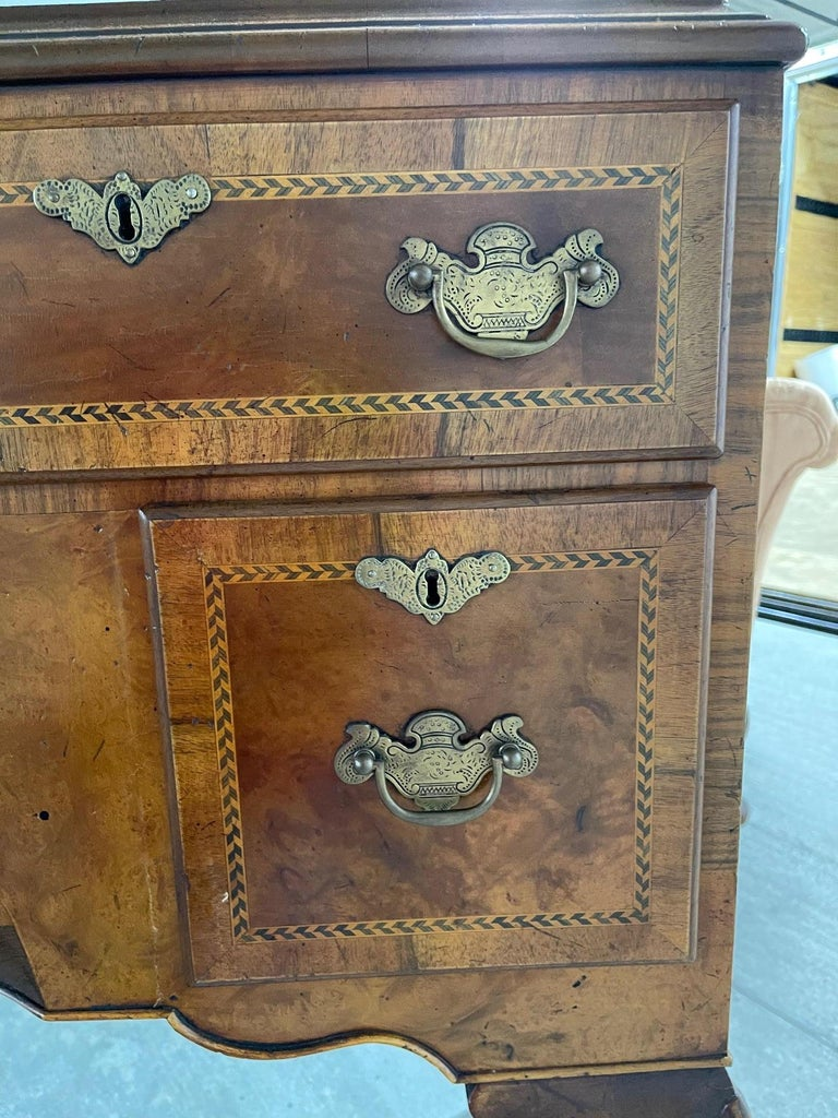 Queen Anne American Cherry Bonnet Top Highboy, 18th Century For Sale 12
