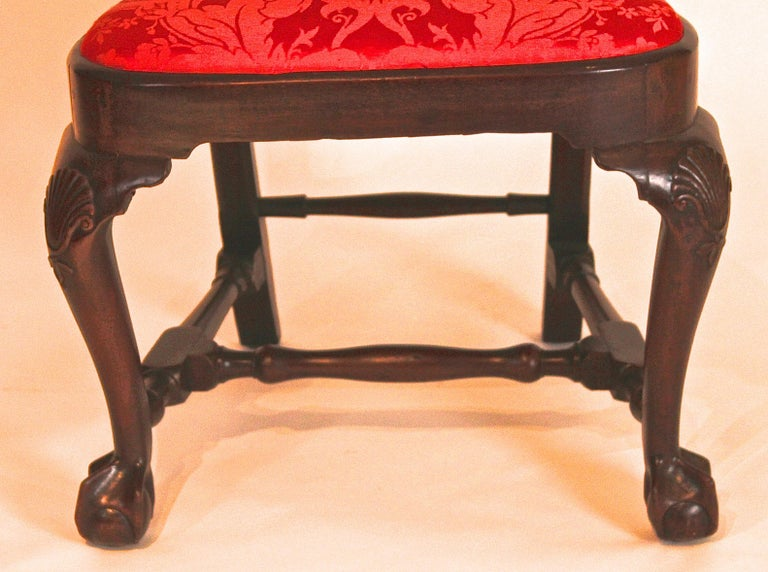 Mahogany Queen Anne Balloon Seat Side Chair For Sale