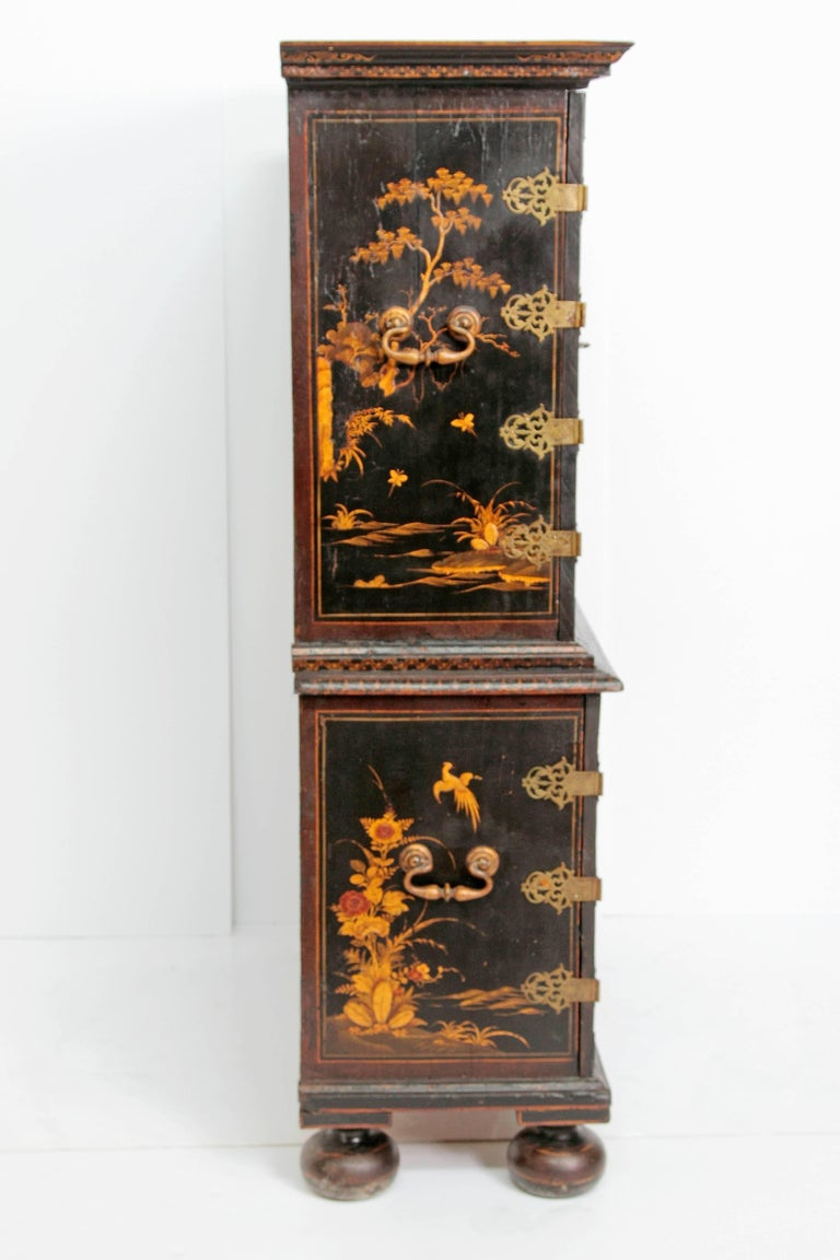 Queen Anne Collectors Cabinet / Japanned For Sale 1