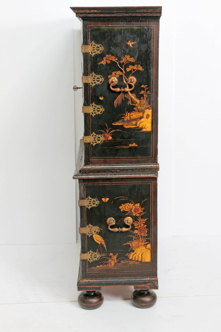 Queen Anne Collectors Cabinet / Japanned For Sale 2