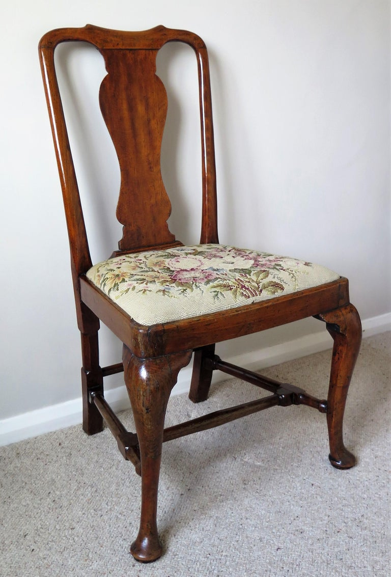 Hand-Carved Queen Anne Period Walnut Chair Cabriole Legs and Stretchers, English, circa 1700 For Sale
