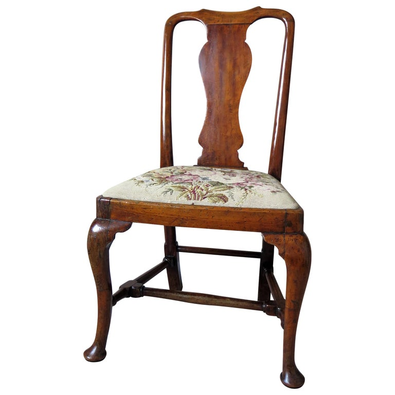Queen Anne Period Walnut Chair Cabriole Legs and Stretchers, English, circa 1700 For Sale