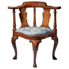 Queen Anne Period Walnut Corner Chair, Circa 1702-1714