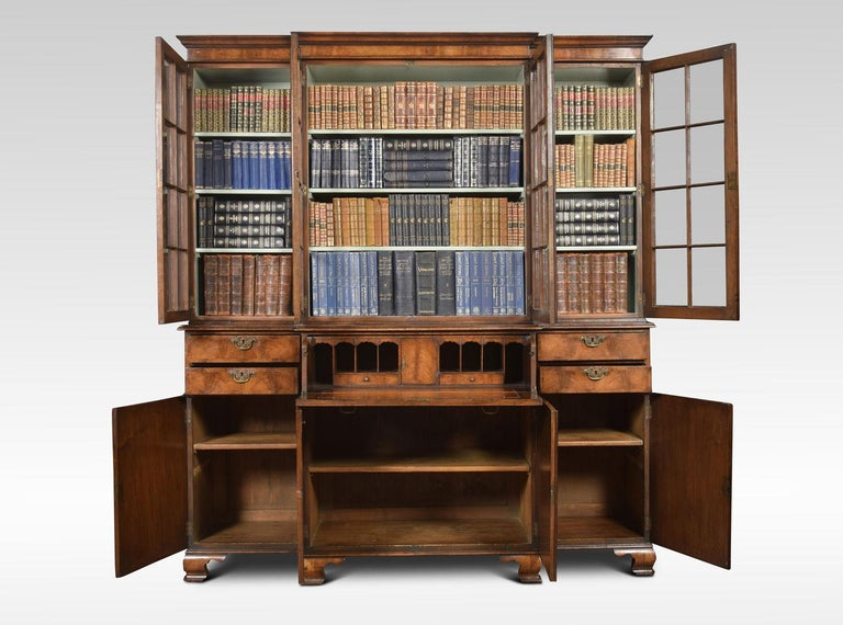 Queen Anne Revival Walnut Four Door Breakfront Bookcase In Good Condition For Sale In Cheshire, GB