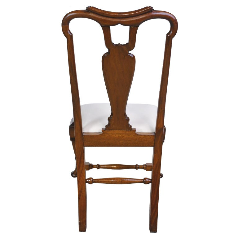 Hand-Carved Queen Anne-Style Fiddle-Back Chair in Mahogany w/ Upholstered Slip Seat, c 1880 For Sale