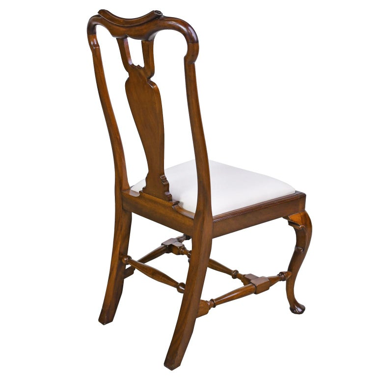 Queen Anne-Style Fiddle-Back Chair in Mahogany w/ Upholstered Slip Seat, c 1880 In Good Condition For Sale In Miami, FL