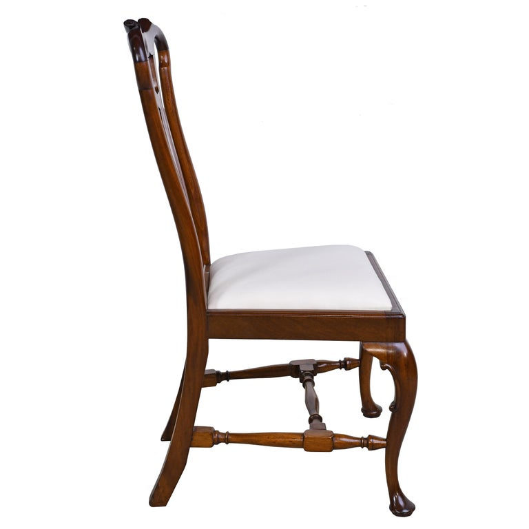 19th Century Queen Anne-Style Fiddle-Back Chair in Mahogany w/ Upholstered Slip Seat, c 1880 For Sale