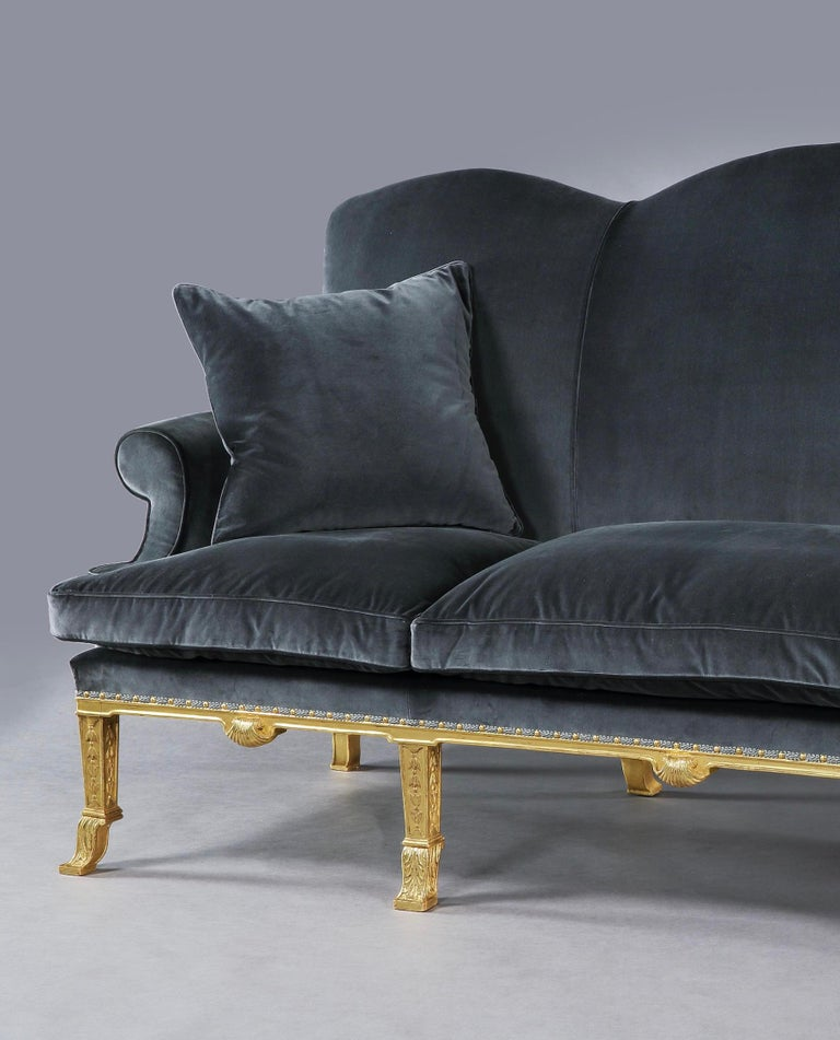 Queen Anne Style Giltwood Sofa Attributed to Lenygon and Morant in Silk Velvet For Sale 1