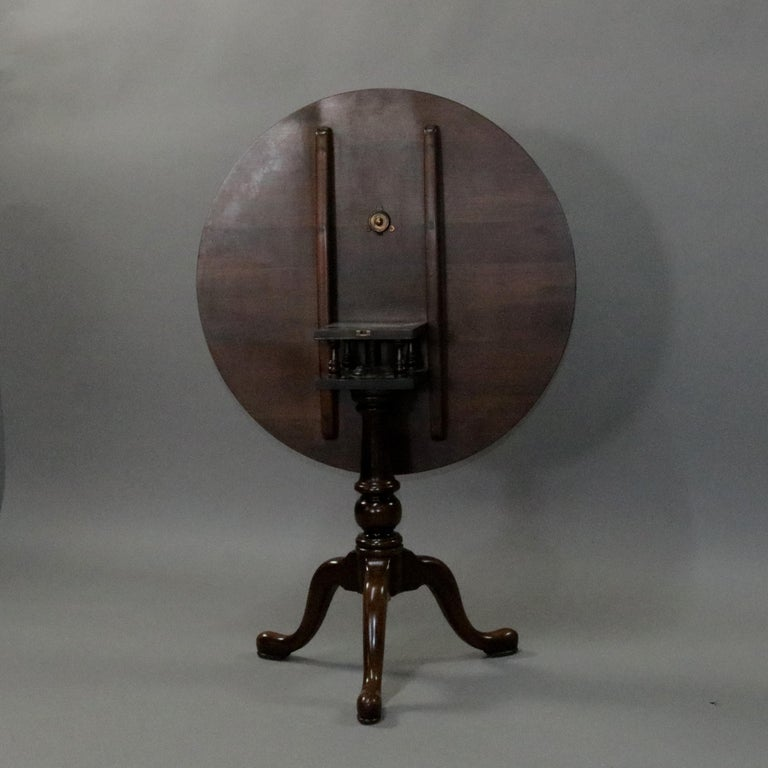 American Queen Anne Style Mahogany Birdcage Tilt Top Table, 20th Century For Sale