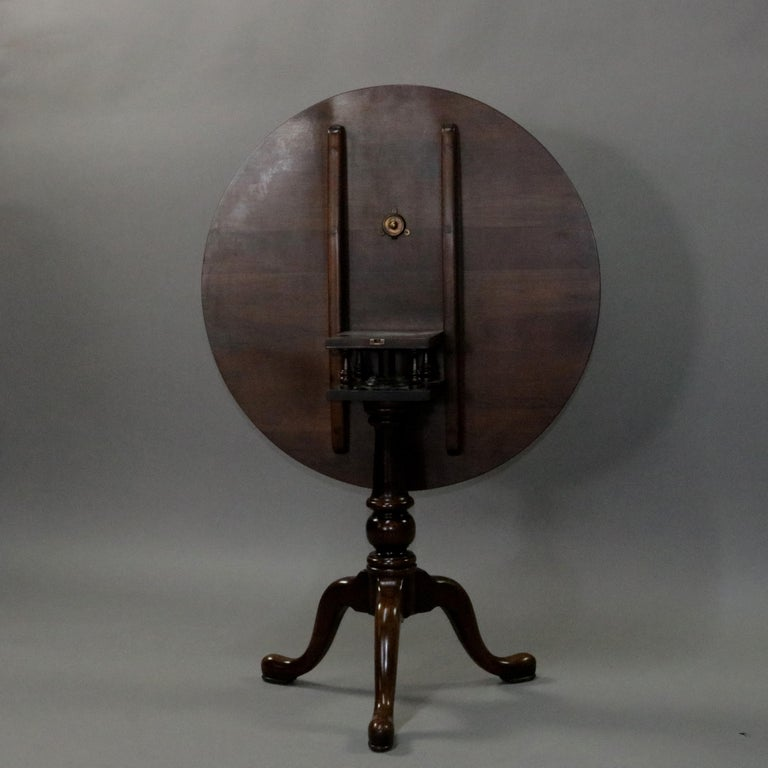 Queen Anne Style Mahogany Birdcage Tilt Top Table, 20th Century In Good Condition For Sale In Big Flats, NY