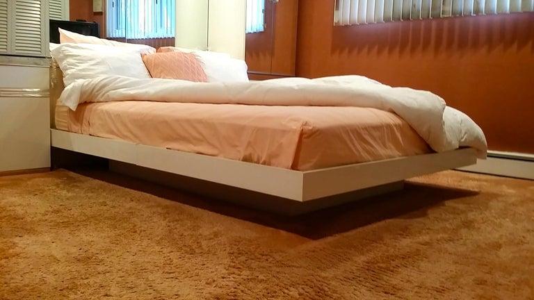 Pierre Cardin Queen Size Bedroom Ensemble For Sale 6
