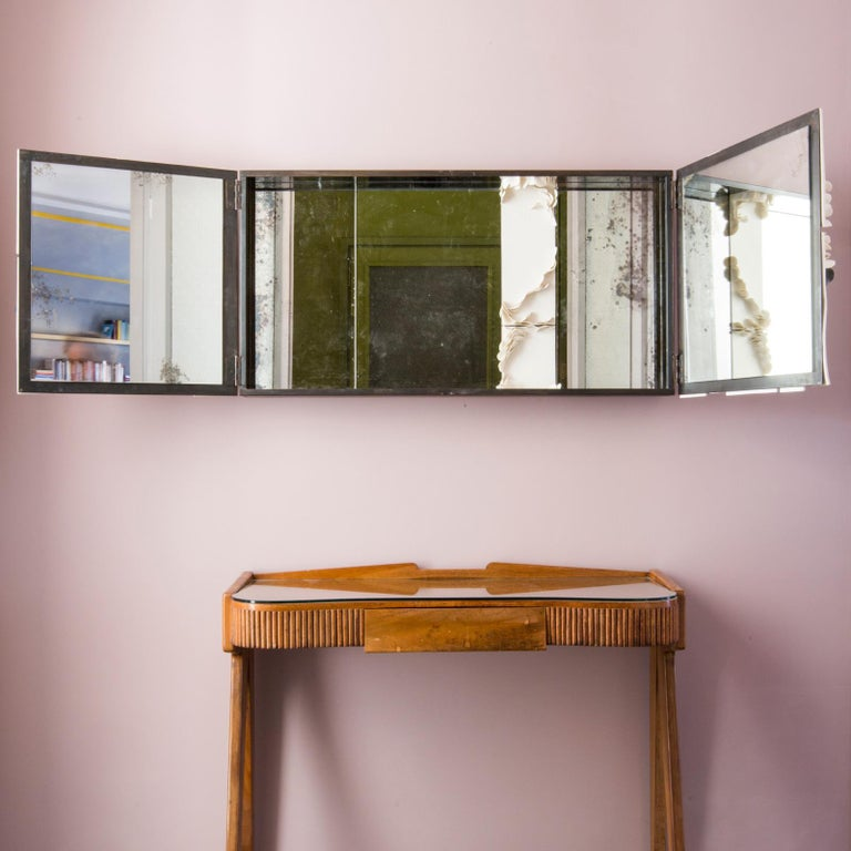 Modern Queer 1 Mirror in Porcelain by Unduo and Biancodichina For Sale