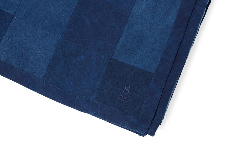 Inspired by a worn-in pair of jeans and created alongside the team at Simon Miller, USA, our indigo cotton canvas is hand dyed using a chemical free process and embraces unique texture and color variations from piece to piece.  A smaller version