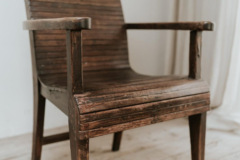 Quirky Highback Wooden Chair In Good Condition For Sale In Brecht, BE
