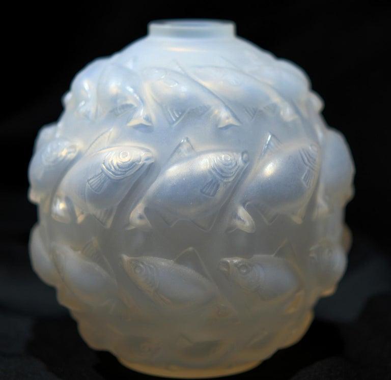 French R. Lalique Camaret Vase No. 1010, 1928-1937 For Sale