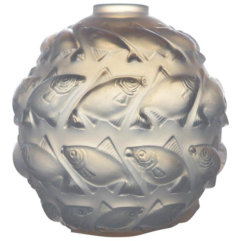 R. Lalique Camaret Vase No. 1010, 1928-1937 For Sale
