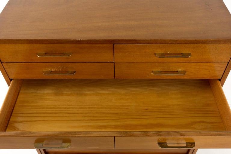R-Way Mid Century Honey Walnut 7-Drawer Highboy Dresser For Sale 2