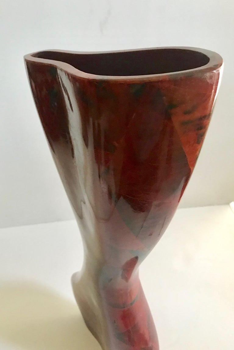 R & Y Augousti Sculptural Large Vase in Mosaic Pen-Shell For Sale 4