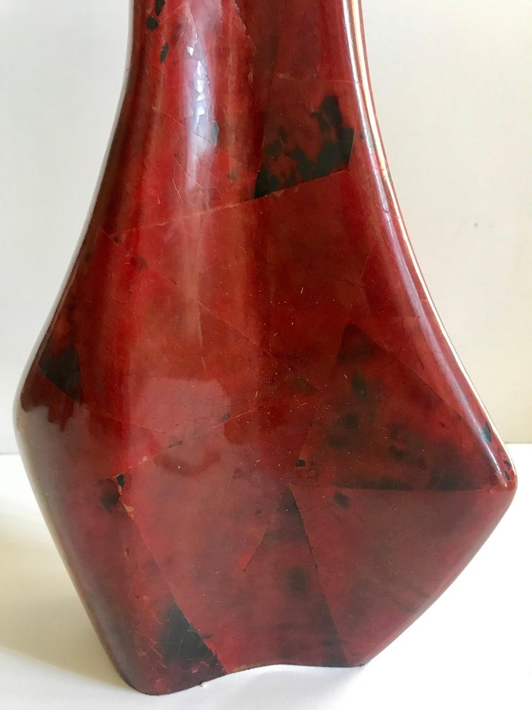 R & Y Augousti Sculptural Large Vase in Mosaic Pen-Shell In Excellent Condition For Sale In Fort Lauderdale, FL