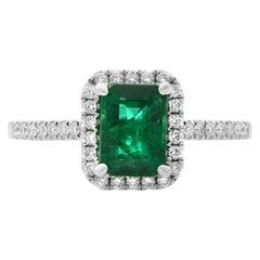 Rachel Koen 18 Karat White Gold Green Emerald Diamond Halo Ring 1.02 Carat