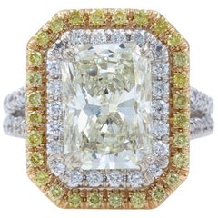 Radiant Diamond Halo Fancy Yellow Diamond Ring 4.40 Carat 18 Karat Gold