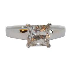 Radiant Diamond Soliaitre Ring of 1.77 Carat in Superb 18 Karat White Gold