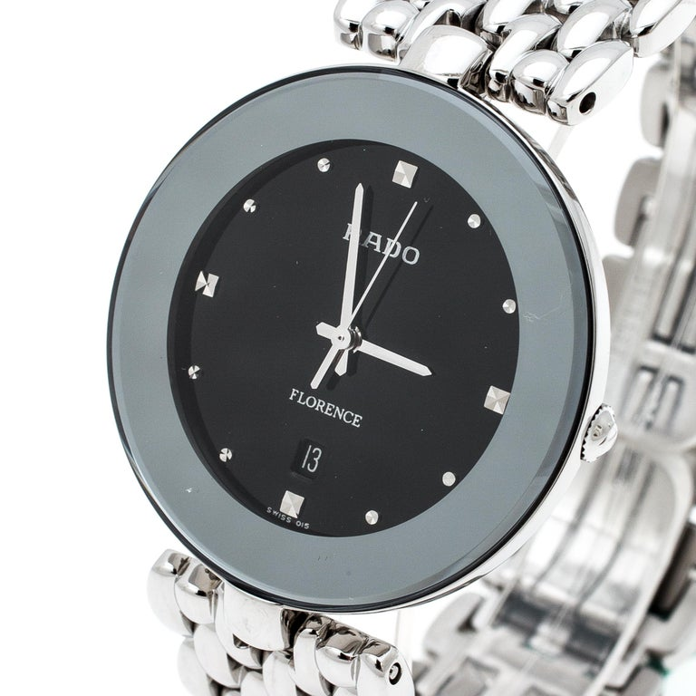 This Florence wristwatch from Rado is elegance represented in a subtle fashion. Created from stainless steel, this watch flaunts a round case. It follows a quartz movement and has a dial with dainty hour markers, three hands, a date window at six o'
