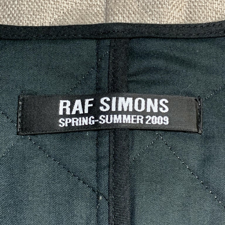RAF SIMONS 38 Beige Quilted Linen V Neck Collarless SS 2009 Sport  For Sale 2