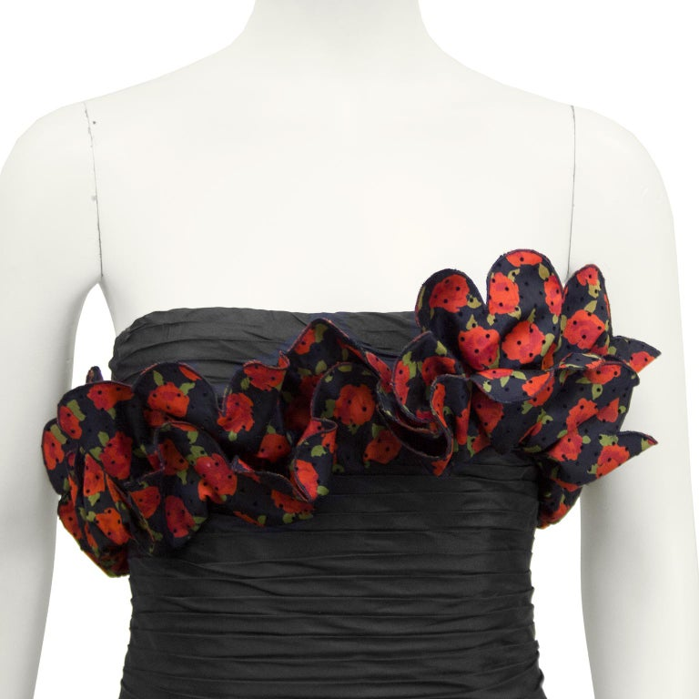 Women's Raffaella Curiel 1980's Black Strapless Cocktail Dress with Roses For Sale