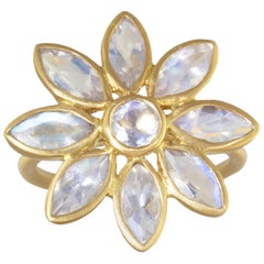 Rainbow Moonstone Flower Ring in 20 Karat
