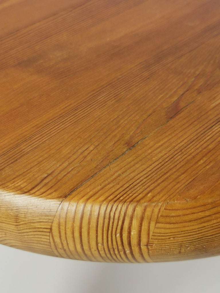 Rainer Daumiller, stained pine stool. Executed by Hirtshals Savverk in Denmark in the 1960s. Excellent Scandinavian woodwork, beautiful grain and patina.